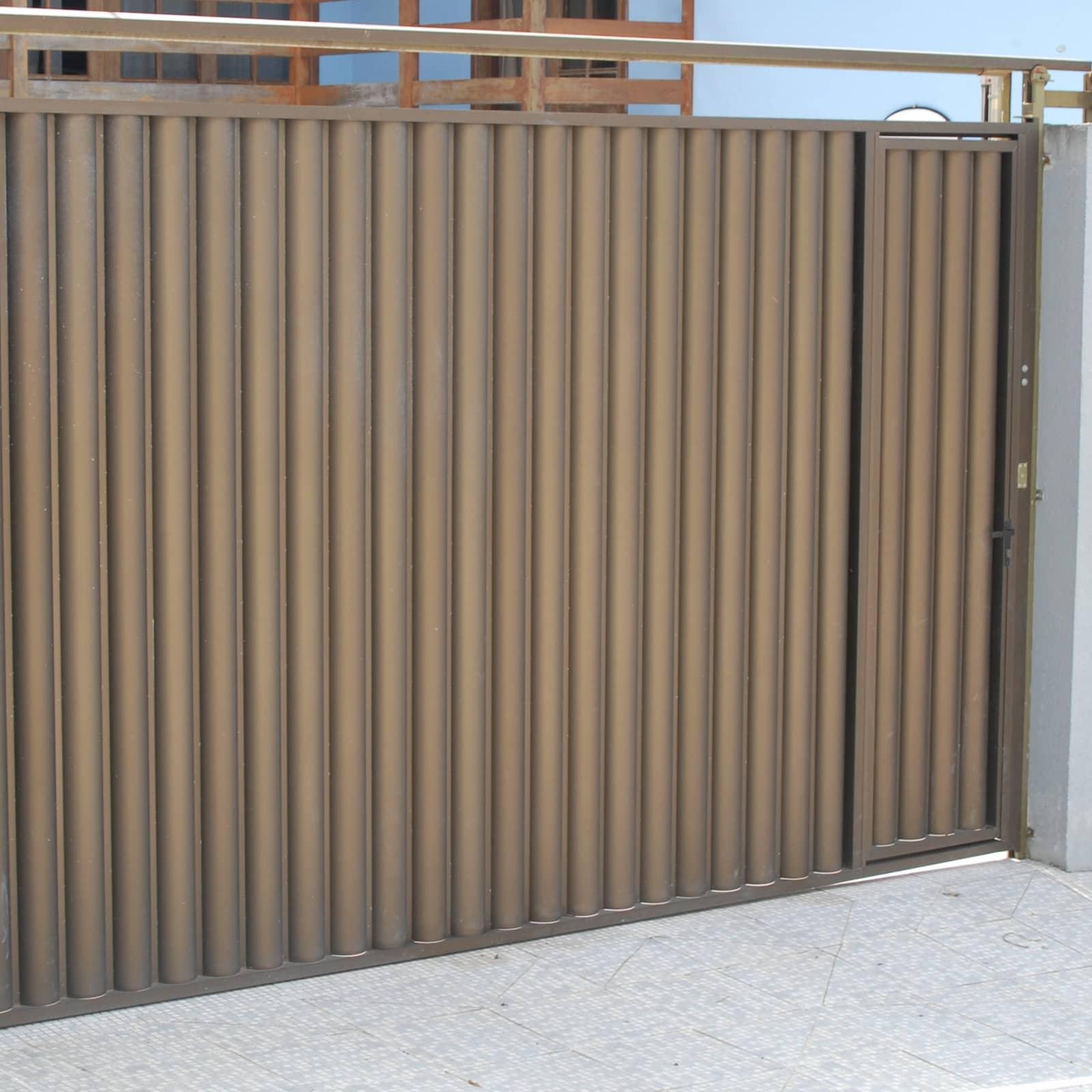 Portão de Elevação em Alumínio